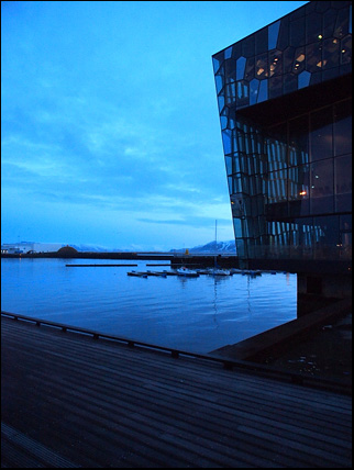 Blue light and Harpa