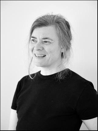 Portrait photo of artist Marianne Laimer