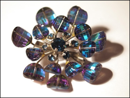 vintage borealis glass bead brooch 2