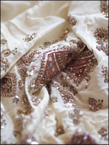 metal thread embroidery on sari 2
